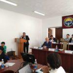 Талант Тулобердиев проводит презентацию в Нарыне